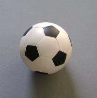 关于足球就是足球的硕士毕业论文范文