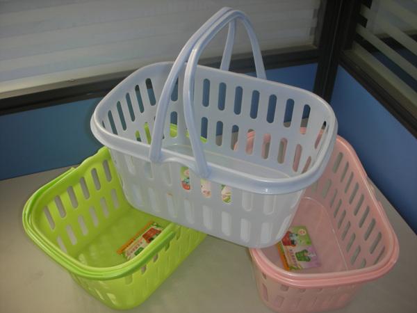 怎么用硬塑料条编篮子图解