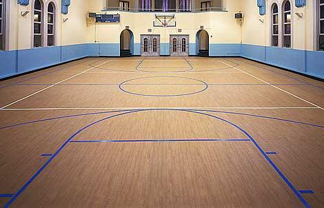 篮球场用塑胶地板图片