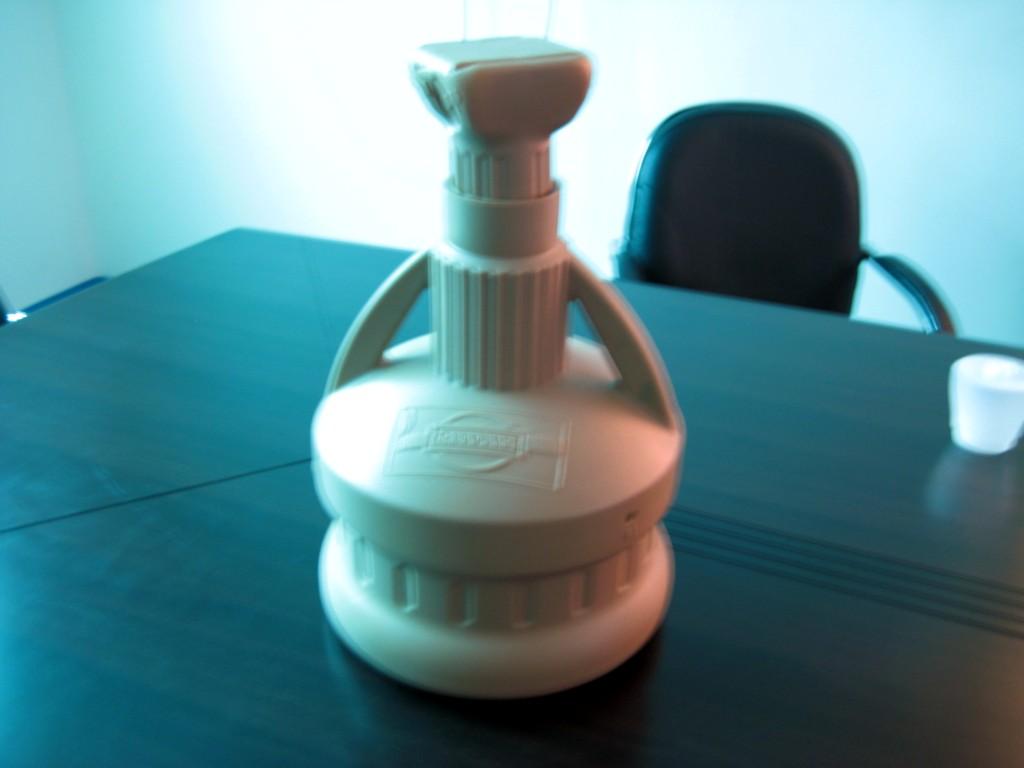 塑胶水壶 塑胶洒水壶 志邦塑胶制品厂提供塑胶水壶 塑胶洒水壶
