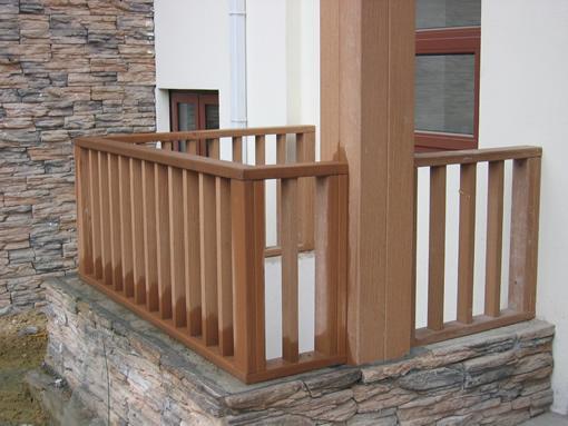 天地木塑材料是新型的环保节能复合材料,木材的替代品。可用于园林景观、内外墙装饰、地板、护拦、花池、凉亭等! 产品十大优点: 1、 防水、防潮。根本解决了木质产品对潮湿和多水环境中吸水受潮后容易腐烂、膨胀变形的问题,可以使用到传统木制品不能应用的环境中。 2、 防虫、防白蚁,有效杜绝虫类骚扰,延长使用寿命。 3、 多姿多彩,可供选择的颜色众多。既具有天然木质感和木质纹理,又可以根据自己的个性来定制需要的颜色。 4、 可塑性强,能非常简单的实现个性化造型,充分体现个性风格。 5、 高环保性、无污染、无公害、可