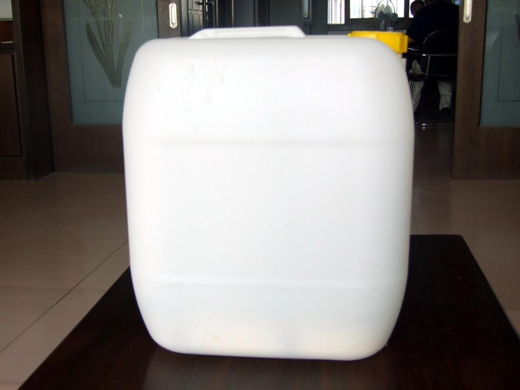 庆云三元塑料制品有限公司(Shandong Qingyun San Yuan Plastics Co., Ltd.) ,成立于一九九五年,坐落于华北大型塑料桶生产基地--庆云县常盛工业园新兴路东首。公司是专业生产塑料桶的企业,本公司经营的塑料桶规格齐、品种全,有出口危险品包装性能证和食品证,并与多个大型塑料桶生产厂家合作,保证你来到我处总能找到你理想的塑料桶包装。公司年生产各类塑料制品能力13000吨,各类工程技术人员56名。随着公司生产规模的不断扩大,经济效益不断提高,现在公司已拥有日本、德国毛瑟先进的