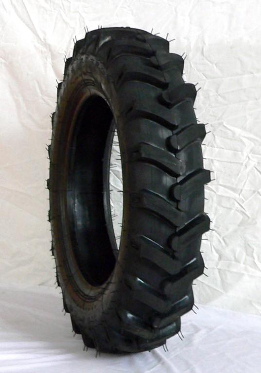 公司生产的轮胎花纹:人字花纹