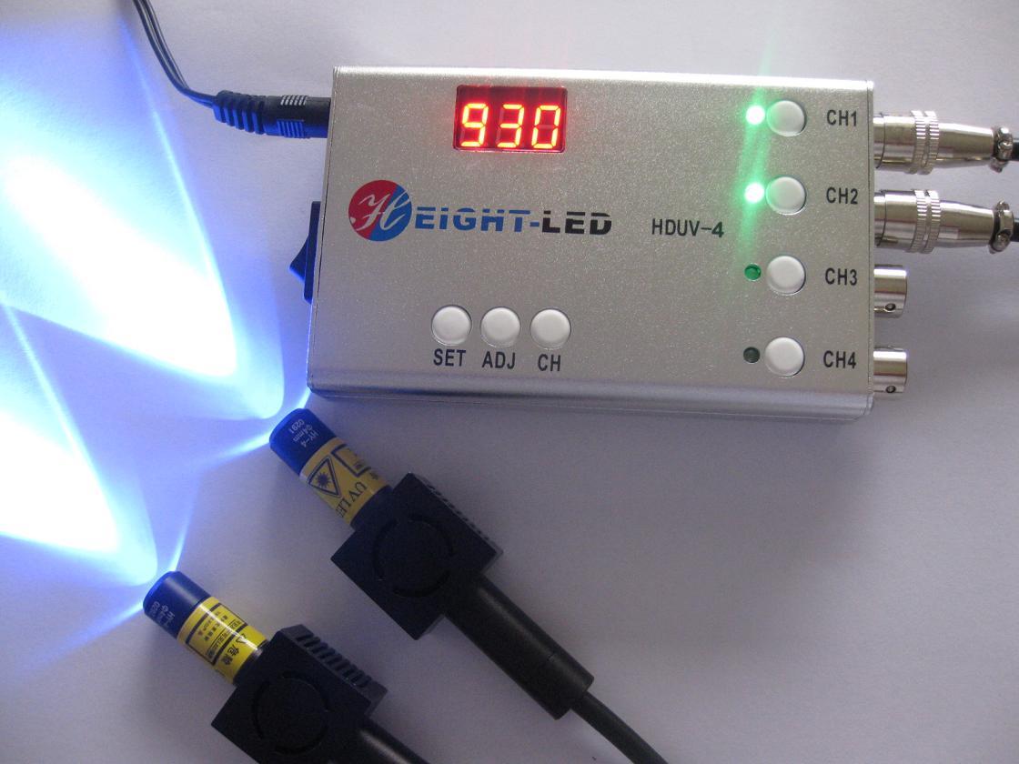 深圳市海特奈德光电科技有限公司从事紫外固化六年余,国内较早生产、销售LED式紫外线照射机系统,有着丰富的产品开发和应用经验。应客户需要公司专门潜心开发这个led式美甲uv灯,本设备采用美国进口UVLED,对应不同UV指甲光油瞬间固化,LED式美甲UV灯,使用寿命长,约为30000小时;高纯度高效率紫外照射,使得指甲油固化更快速,固化效果更为光泽、鲜艳、亮丽,保持时间更长;同时本设备没有热辐射温度和深度紫外光的影响,UV石英聚焦透镜聚光,单向直线传输,精准照在指甲上,紫外线不会灼伤到皮肤,充分保护您的手指健