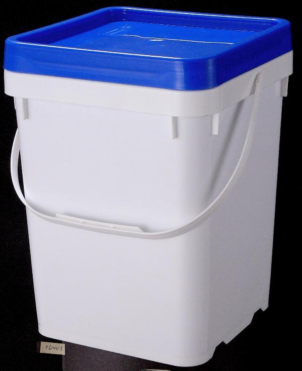 摘要:(187-6602-5333 QQ1870666066) 塑料桶的性能特点及塑料桶的材质、生产应用塑料桶产品特点:有不易碎、不生锈、保温、防潮、耐压、质轻、耐油、耐酸、耐碱、耐低温、无毒、无菌、无味,并具有优良的耐伸缩性和耐冲击性能等特点。 塑料桶的材料及生产工艺:多采用聚乙烯、聚丙烯、聚酯等塑料吹塑、注塑、吸塑、滚塑而成。 产品用途:多用于盛装精细化工、农药、医药、食品、五金电子、机电等行业液体、固体物品。可用于物品盛放或者运输周转。