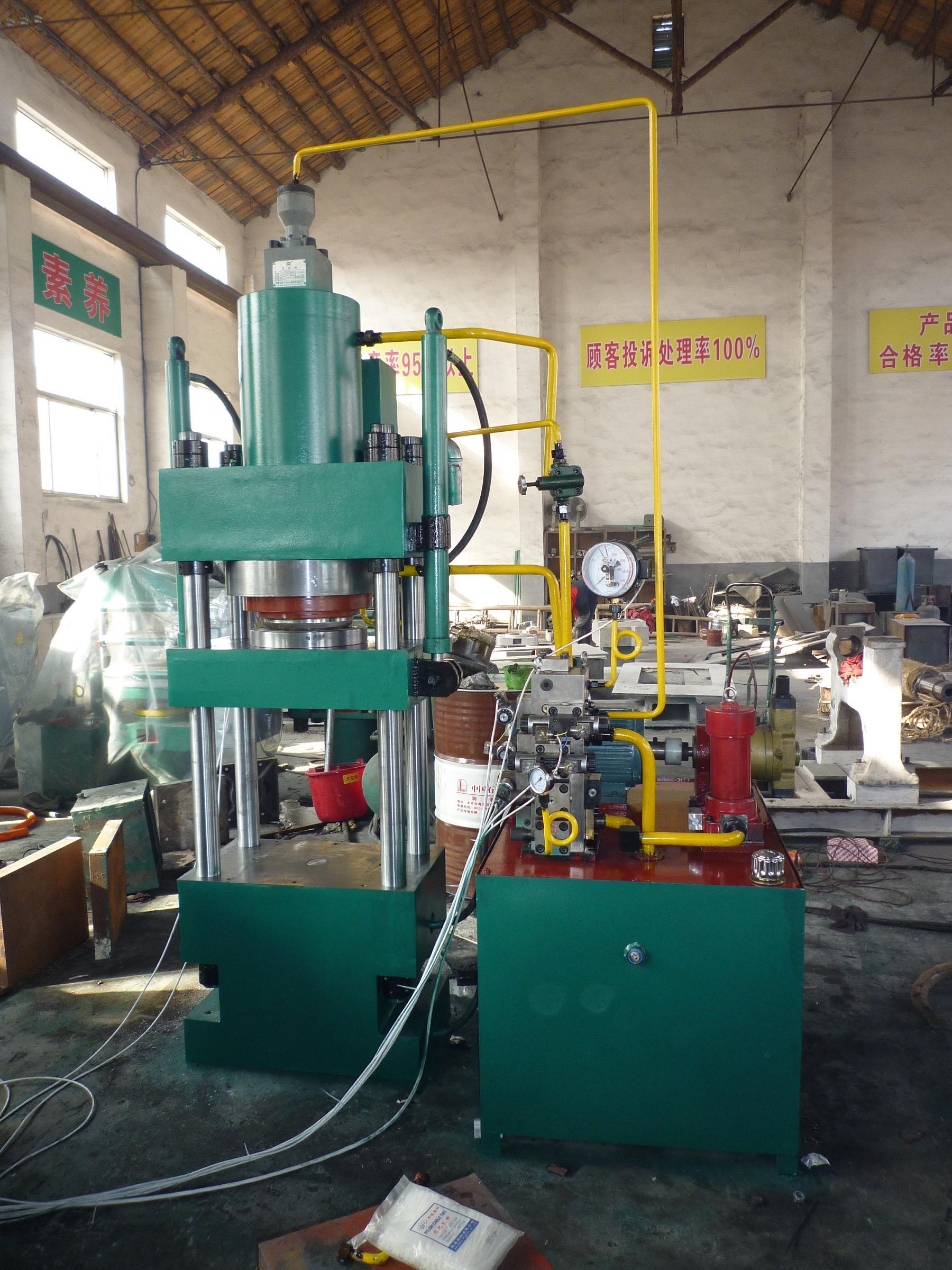 63吨四柱液压机-四柱压力机图片