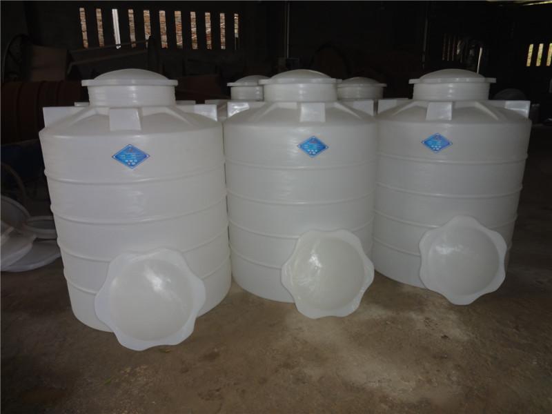 供应地震供水专用塑料桶/抗震储水罐/防震储水桶