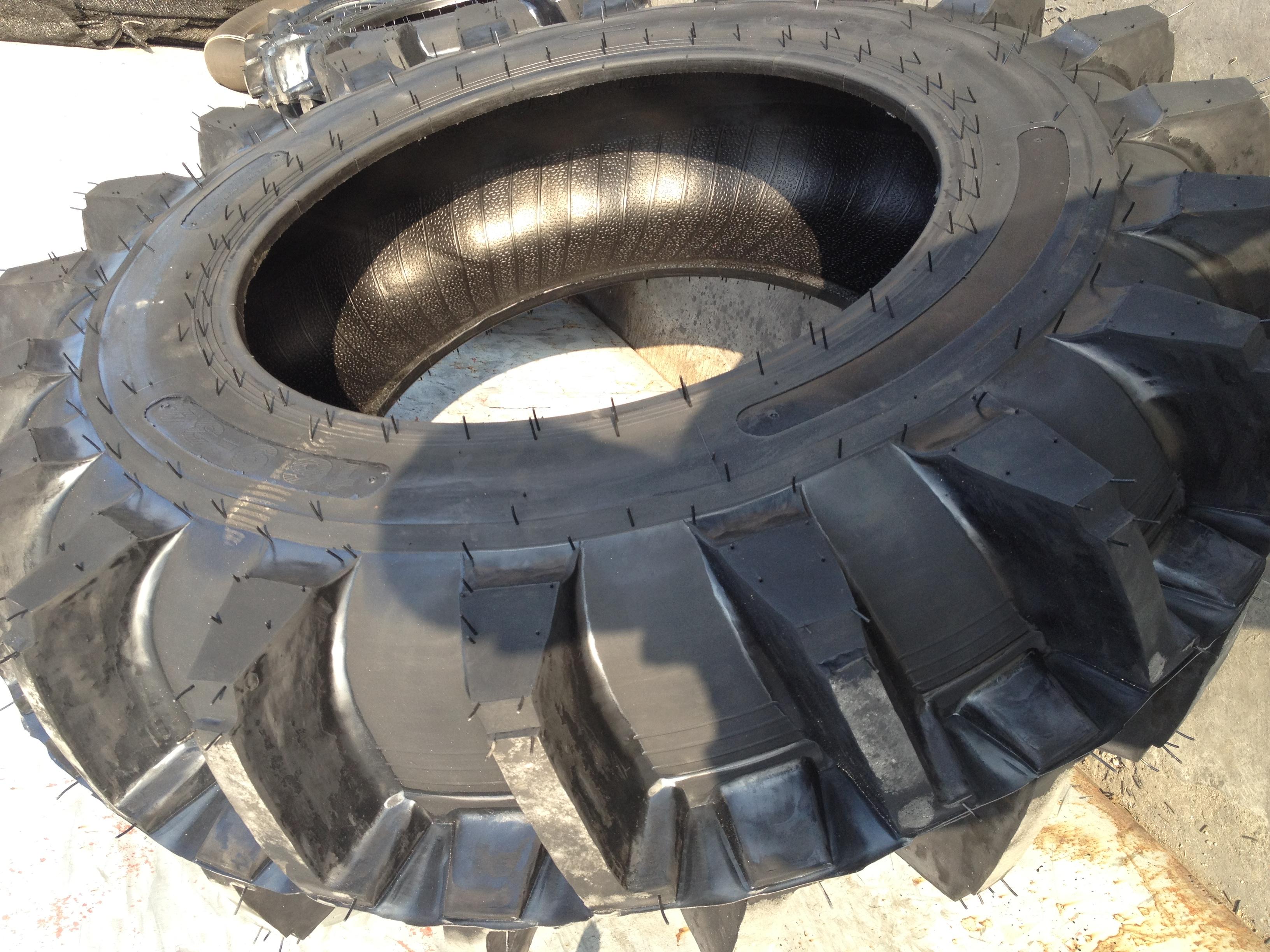 9-30水田高花轮胎 人字形拖拉机农用轮胎