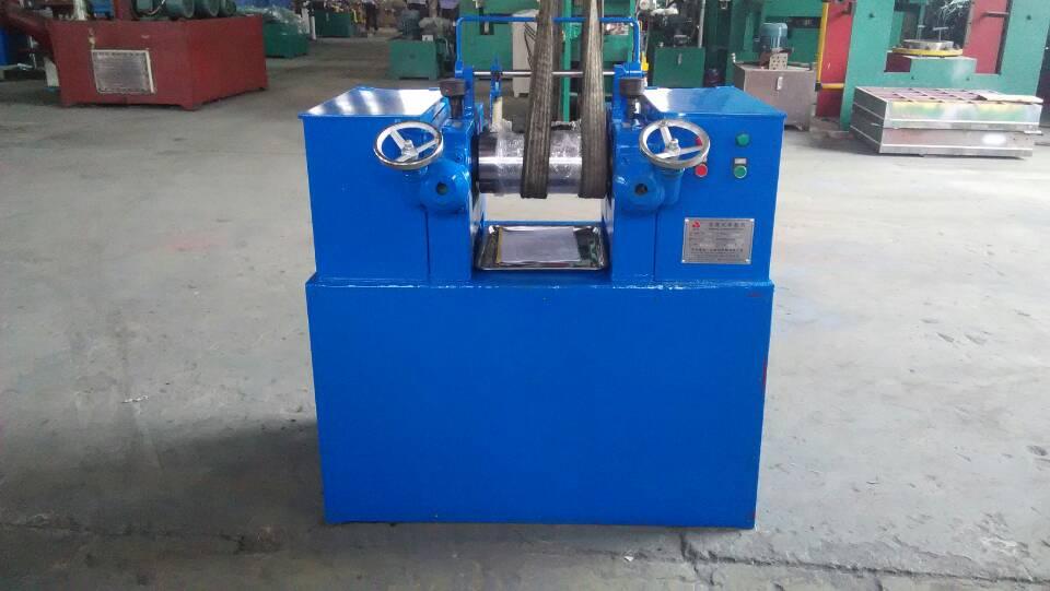 青岛鑫城实验室橡胶开炼机,橡胶开炼混炼机,橡胶硫化机,橡胶密炼机・