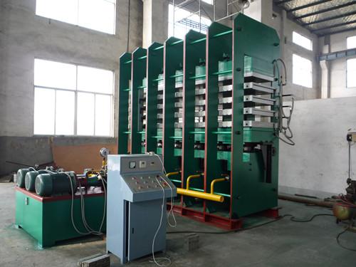 蒸汽加热硫化发泡机 导热油加热硫化发泡机 五板四层长条橡胶发泡机