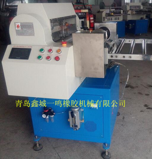 青岛韩国企业都用分条切条机一体机,氟橡胶专用纵横分条切条一体机
