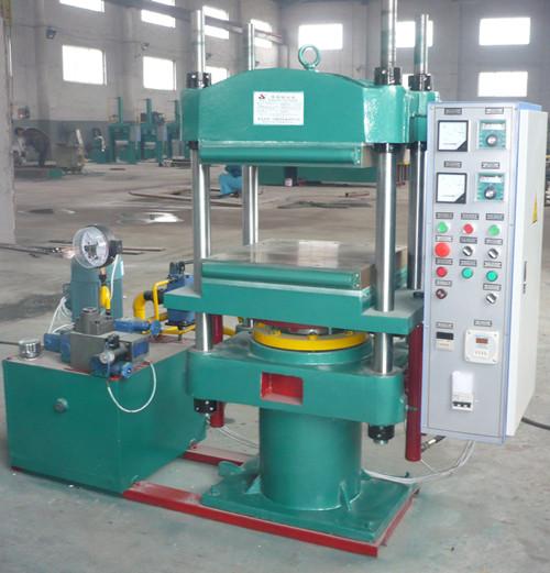 青岛PLC鄂式自动平板硫化机,橡胶杂件硫化设备,带自动推拉