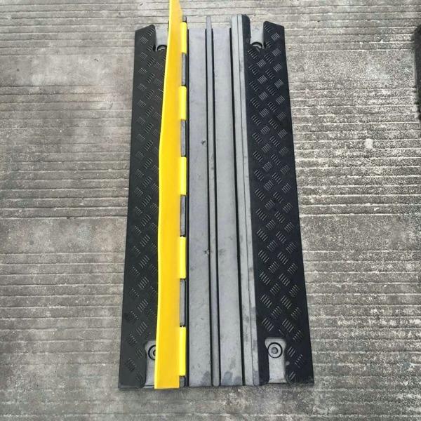 JIULEI/九磊橡胶布线槽,JL-XCB-2CG橡胶布线槽,二孔橡胶布线槽