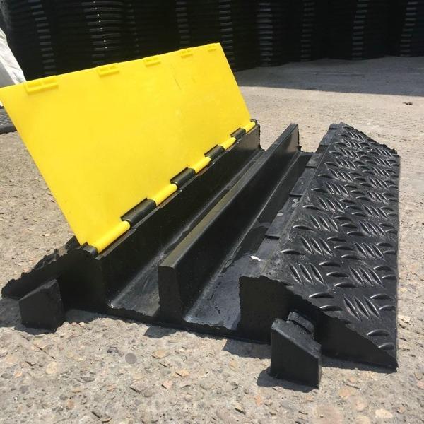 JIULEI/九磊橡胶走线槽,JL-XCB-2CH橡胶走线槽,二孔橡胶走线槽