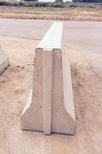标准隔离墩钢模具,道路隔离墩模具