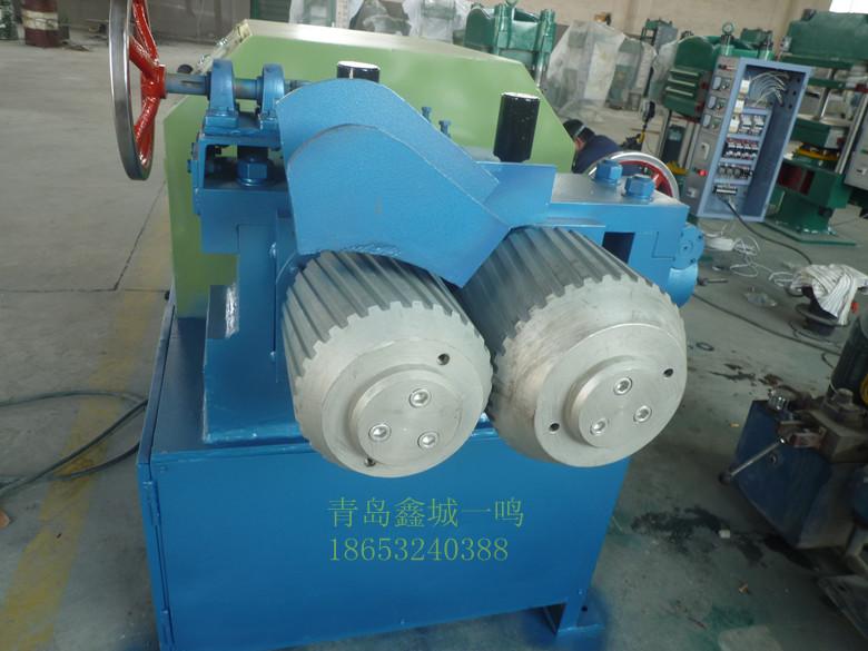 废旧轮胎钢丝分离机_轮胎钢丝分离器价格_青岛鑫城轮胎钢丝分离器