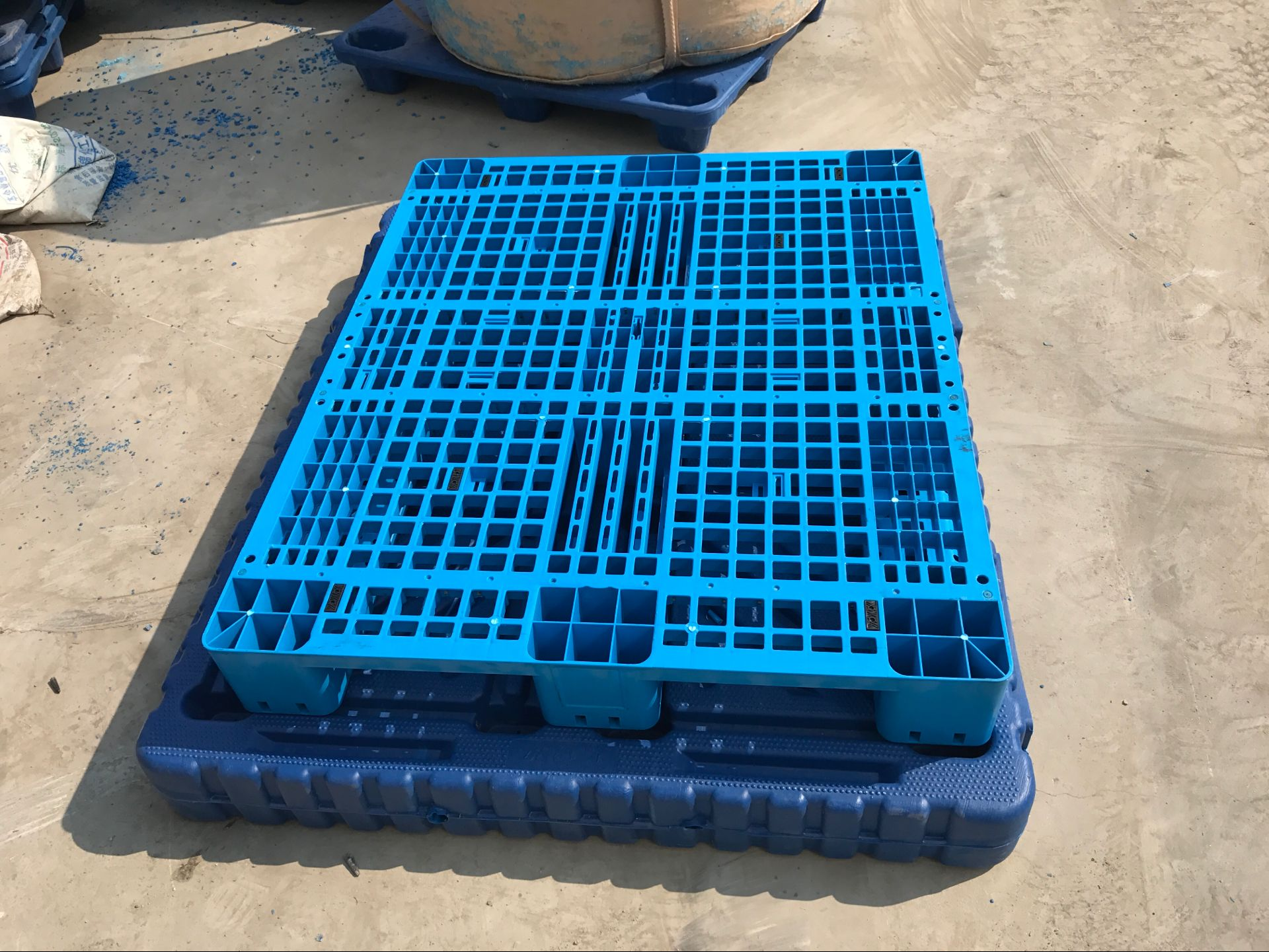 许昌塑料托盘、许昌塑料垫板、许昌塑料卡板