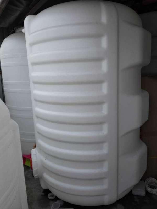 2.5吨卧式桶  加厚卧式桶厂家2.5立方