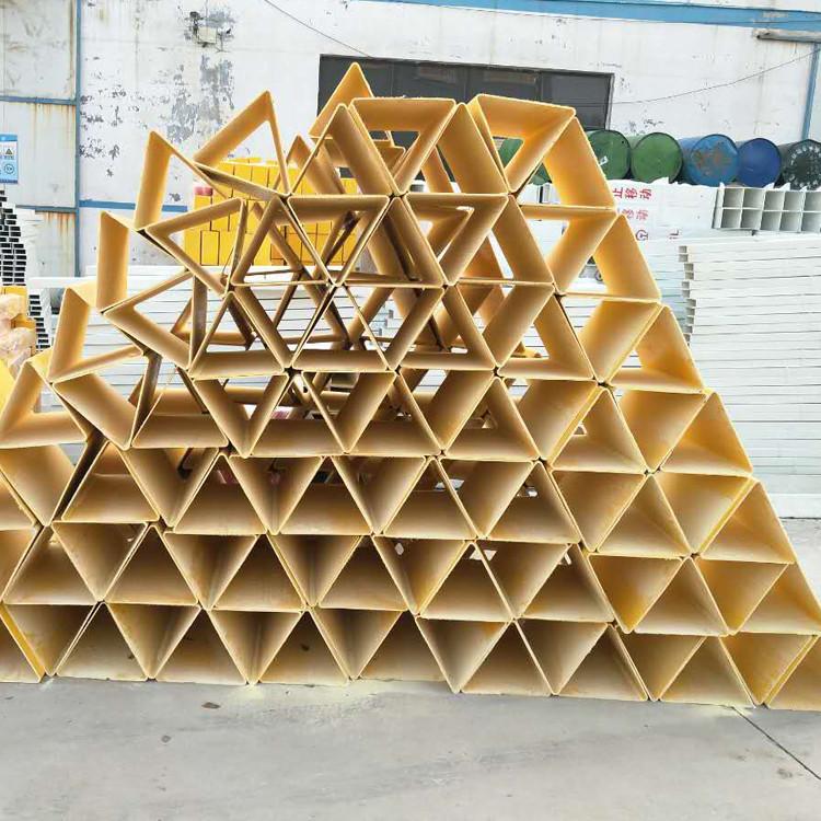 【广吉】  厂家供应   三角标志桩 玻璃钢警示桩   耐腐蚀标志桩  玻璃钢标志桩   标志桩  标志桩厂家