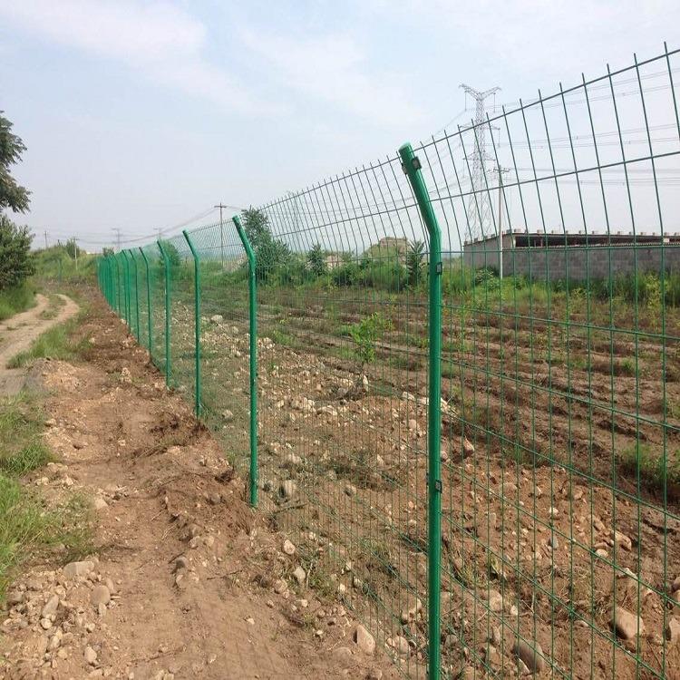 双边丝护栏网 铁丝围栏网 小区围墙护栏网 浸塑护栏网厂家现货