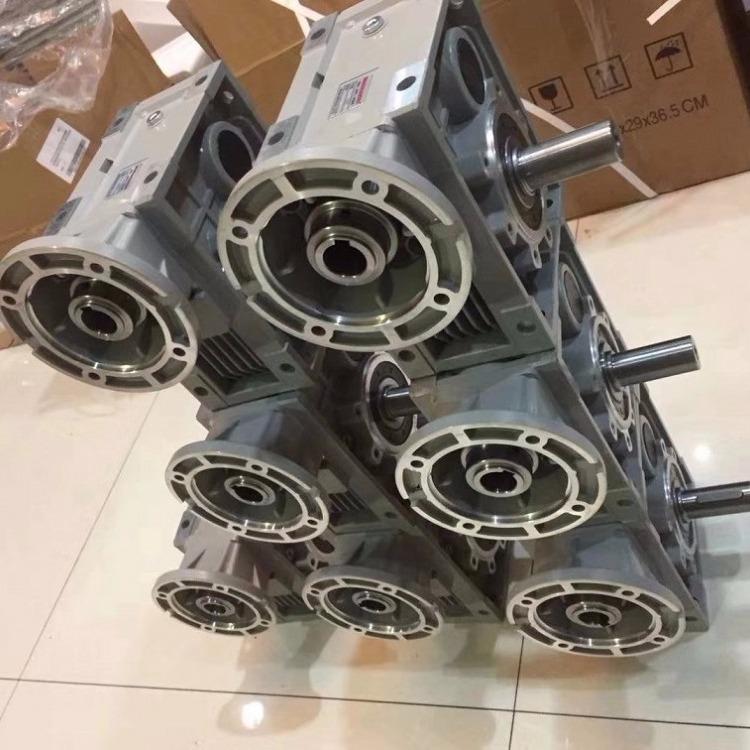 双曲面齿轮减速机  利政准双曲面齿轮传动 传动比大   工厂仓库发货