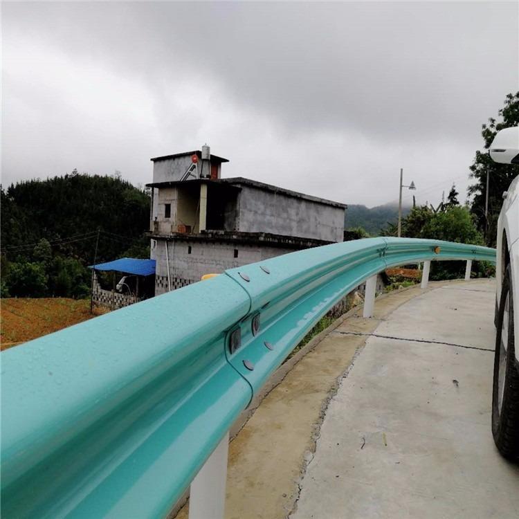 贵州格拉瑞斯护栏板厂家现货供应贵姓乡村 村村通波形护栏 国标波形防撞护栏板