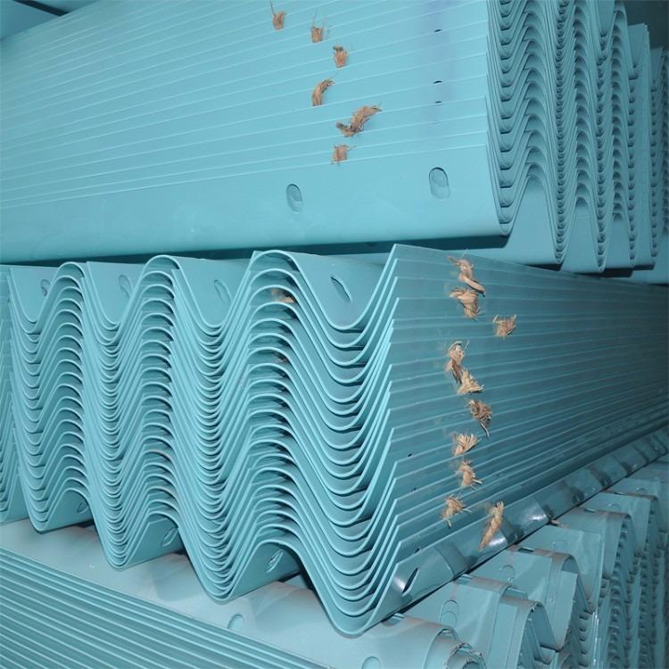 厂家加工热销国标热镀锌防撞波形护栏板