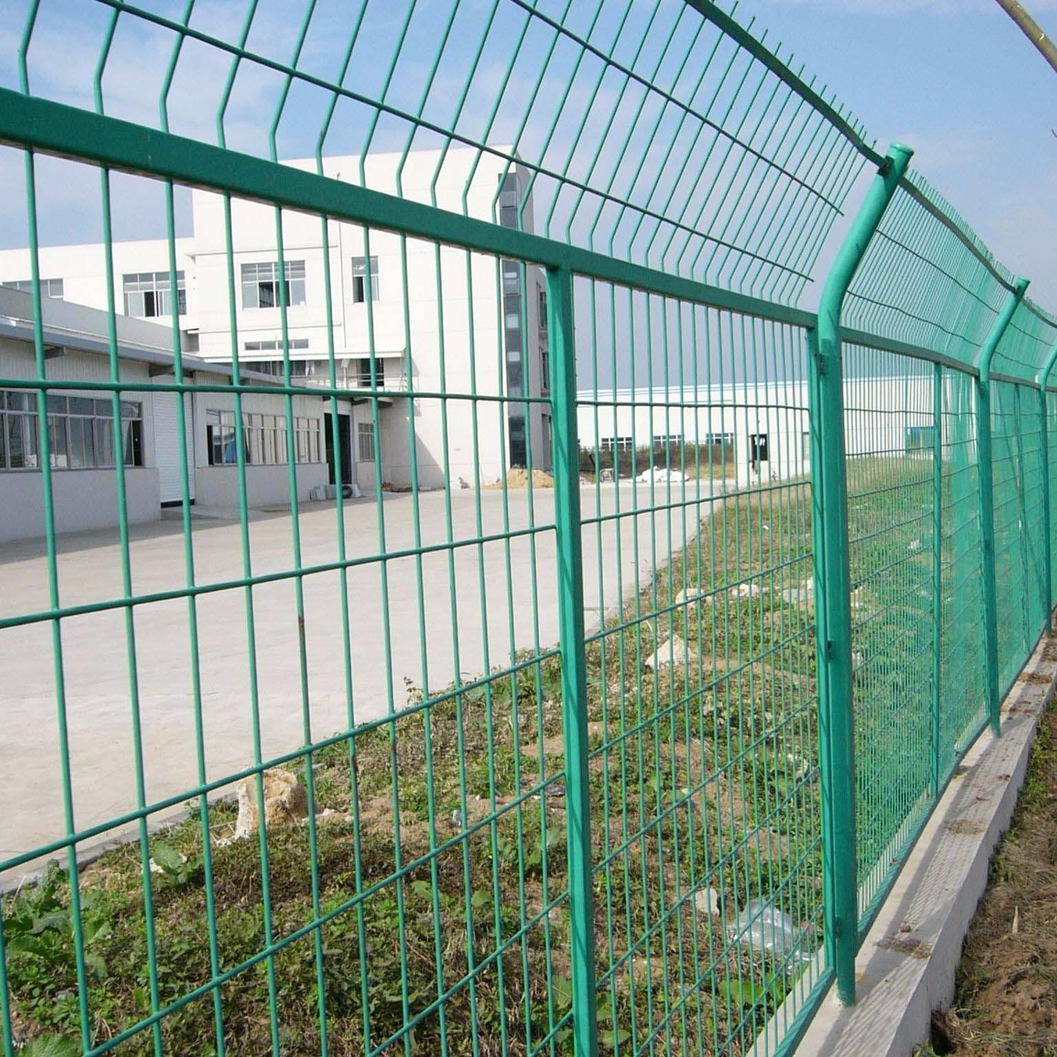 护栏网 果园围栏 体育场围网 高速双边丝护栏网