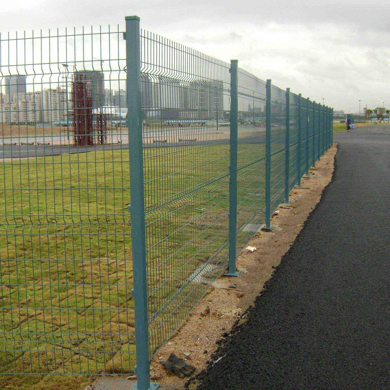 昊烨直销公路护栏网 防撞护栏 围栏网价格