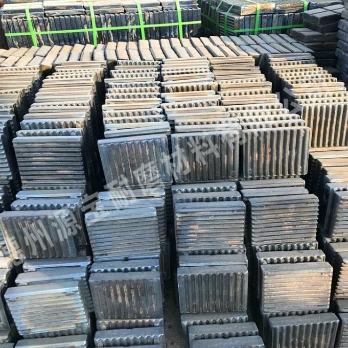 销售不沾料玄武岩微晶铸石板 耐磨耐高温微晶铸石衬板煤仓衬板