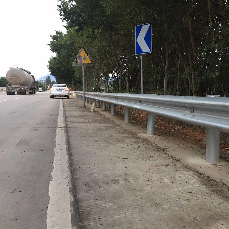 全国供应国标高速公路波形护栏非标村村通防护栏半国标普通型乡村路防撞栏