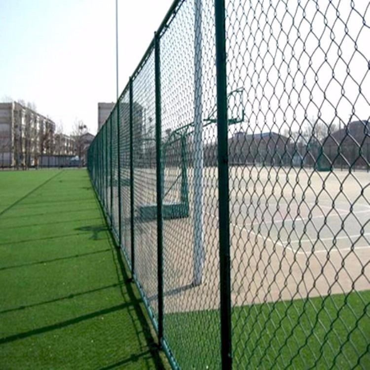 厂家直销绿色浸塑护栏网铁丝护栏网量大现货供应!