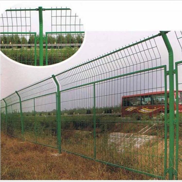 振兴供应高速公路护栏网,公路围栏网,框架护栏网,护栏网生产厂家