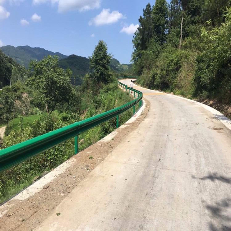 厂家批发喷塑波形护栏板 高速公路波形护栏板 二波护栏板 可定做