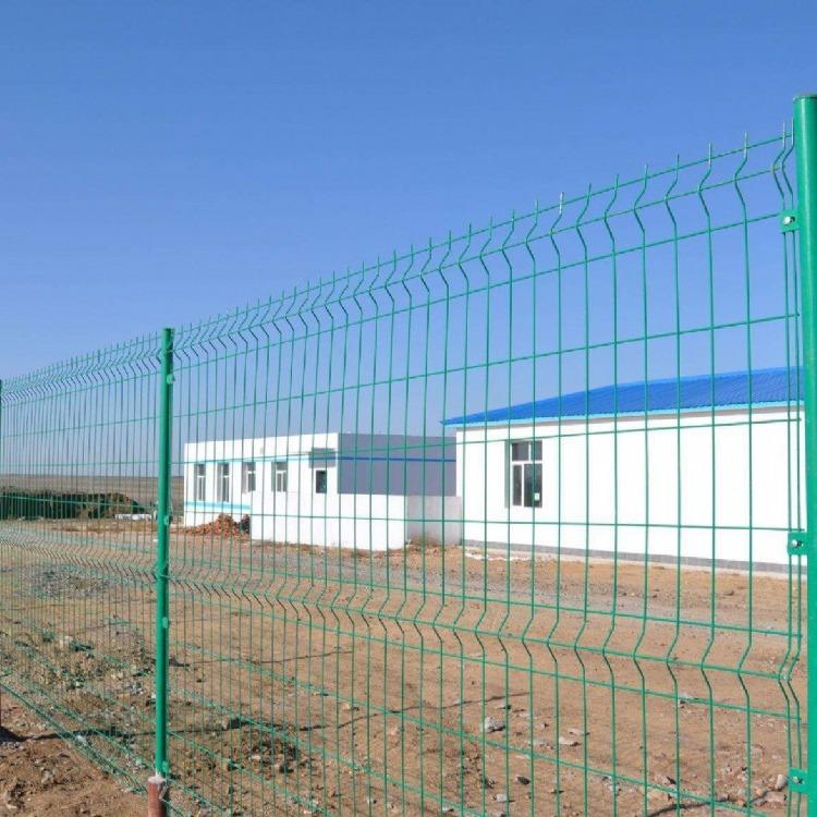 低碳钢丝 浸塑双边丝护栏网 养鸡围栏 铁丝网栏杆 果园栅栏 隔离网 防护网