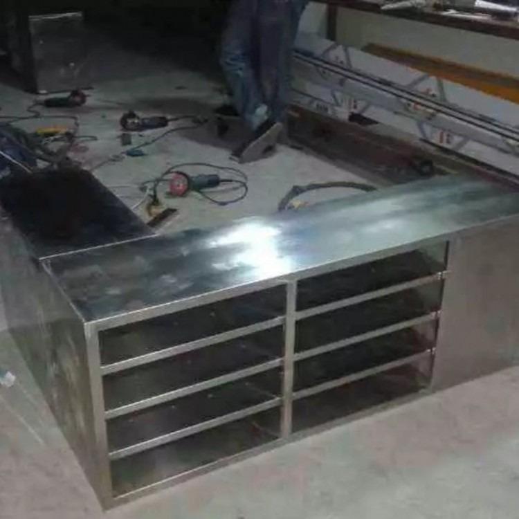 西安江兴不锈钢更衣柜西安不锈钢加工操作方法