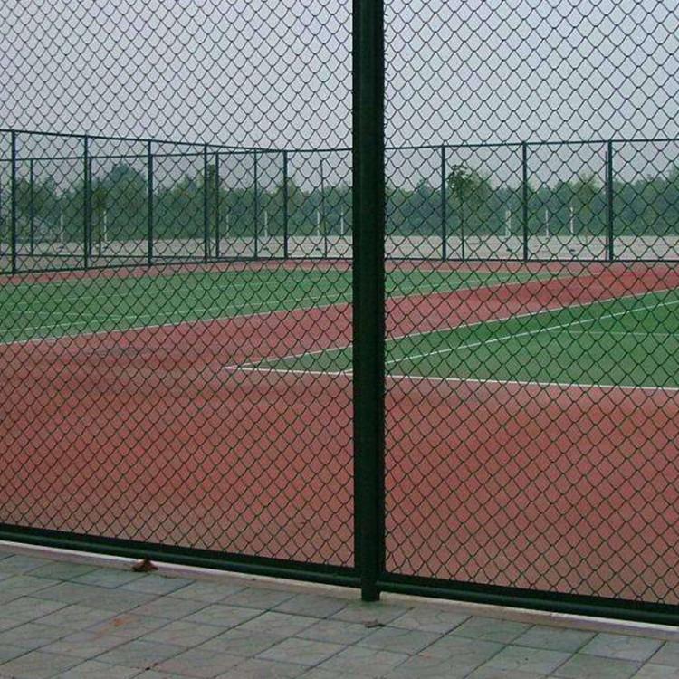 体育场铁丝网网球场围栏足球场护栏篮球场围栏浸塑护栏网日字形防护网