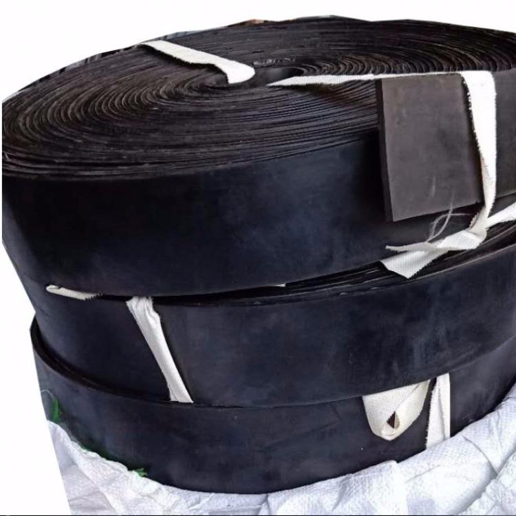 夹尼龙布输送带橡胶板耐磨加线橡胶输送带铺地橡胶板