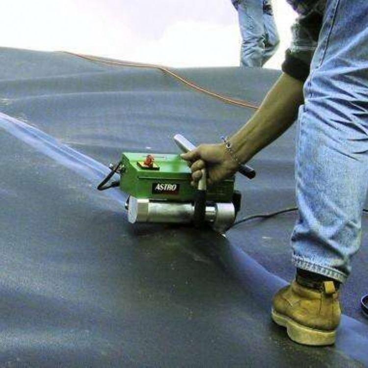 土工膜焊接机_土工膜爬焊机_HDPE土工膜焊接机 中齐专业生产焊接机 现货直发 质量有保障