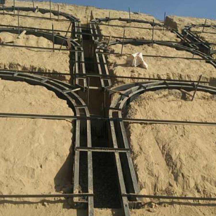 预制现浇拱形骨架护坡铁模具