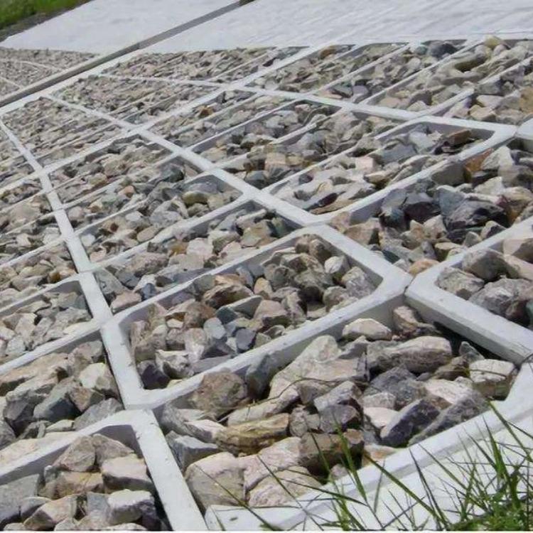 平铺式护坡模具 水泥平铺式护坡模具