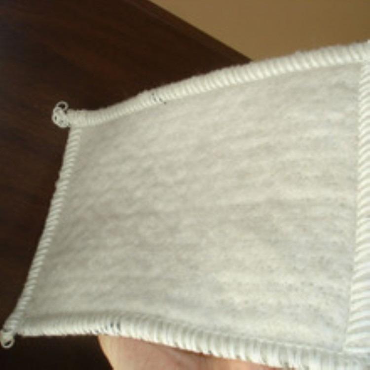中齐销售人工湖专用防水毯,GCL防水毯,多种规格 大量库存 现货供  应。