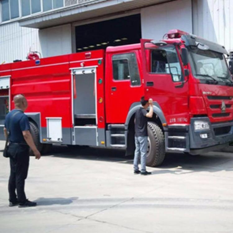 豪沃泡沫消防车生产厂家,新款泡沫消防车配置