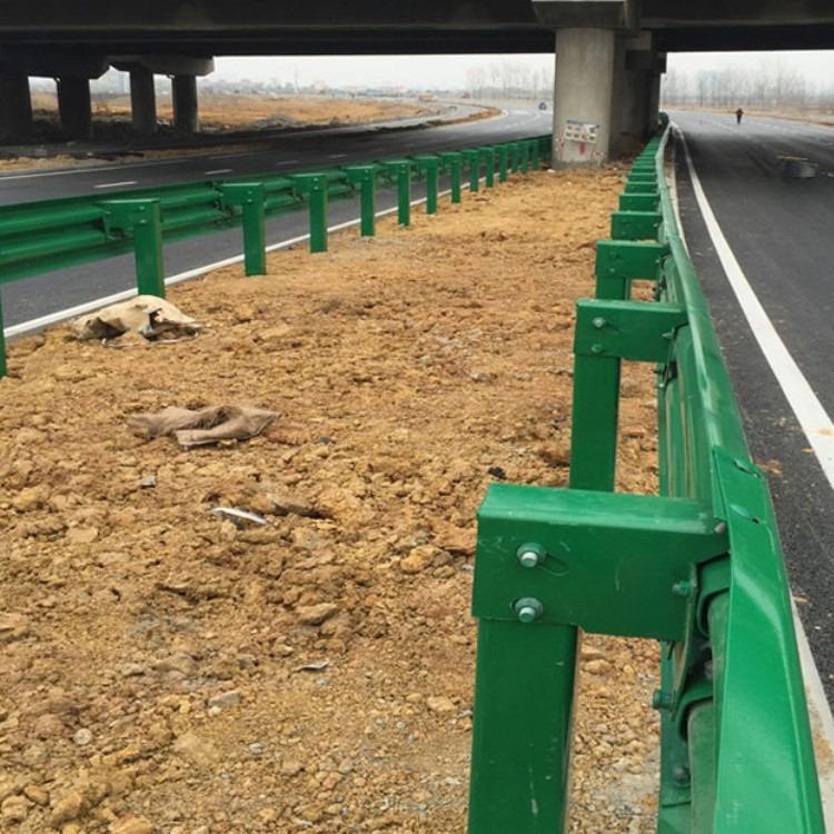 广西公路防撞护栏公路护栏板道路护栏 双波波形护栏 镀锌材质   公路镀锌波形护栏   喷塑波形护栏
