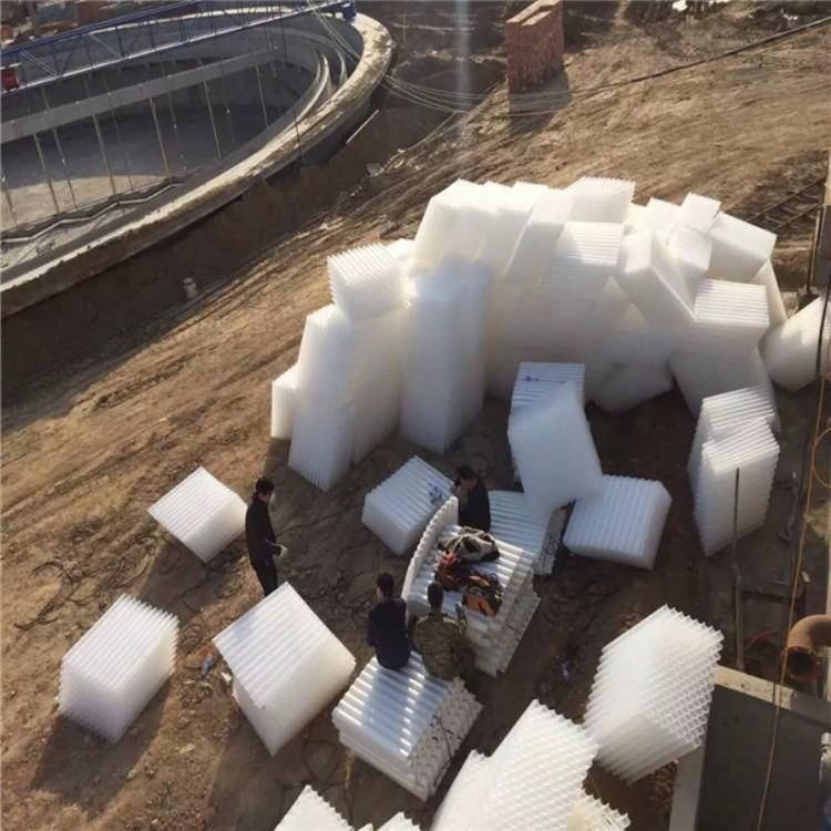 蜂窝斜管填料】斜管填料主要用于沉淀和除砂的作用,蜂窝斜管填料特性及安装注意事项