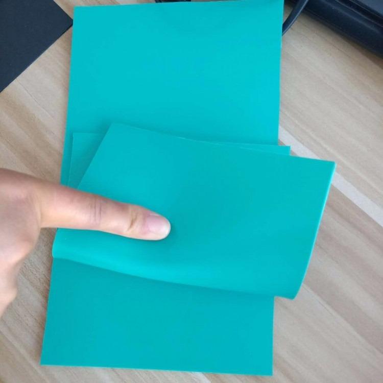 环保无味运动防滑地胶板PVC绿色软板塑胶板瑜伽室地板