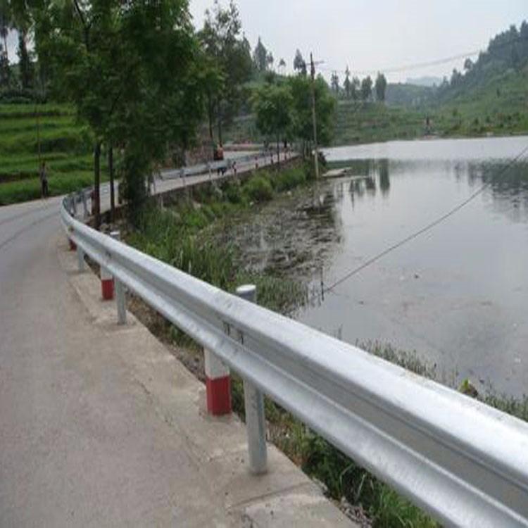 无锡公路波浪形护栏 省道波形板护栏农村道路护栏