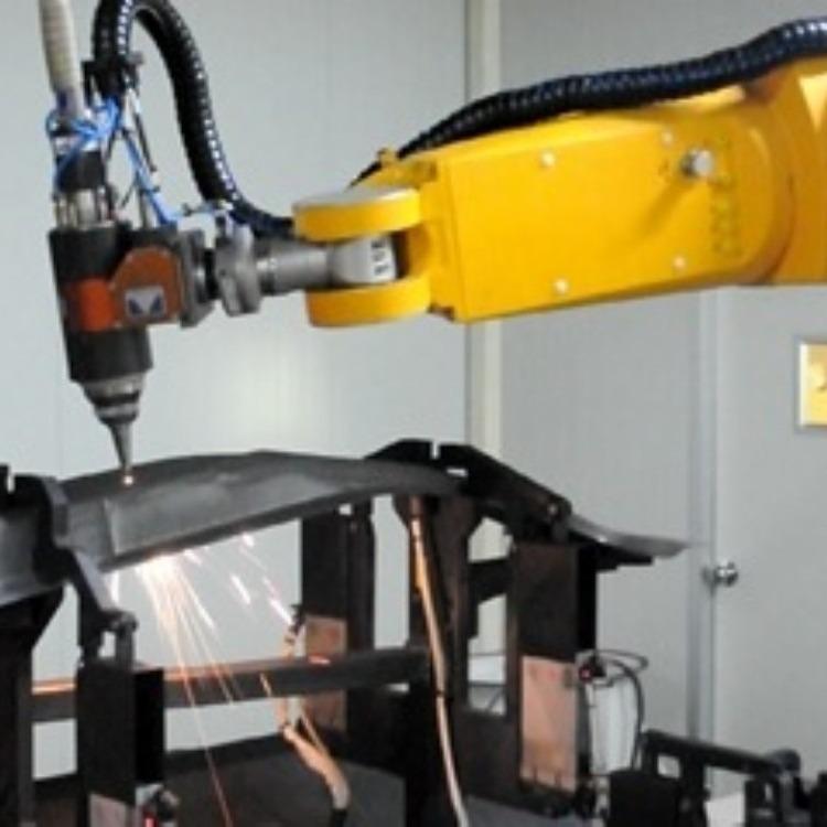 专业生产切割机器人  非金属激光三维切割 塑胶三维激光切割机器人  性能稳定欢迎致电