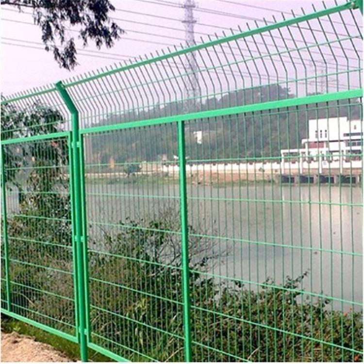 直销护栏网 河北拓永双边丝护栏网 公路护栏网高速隔离栅1.8米*3米