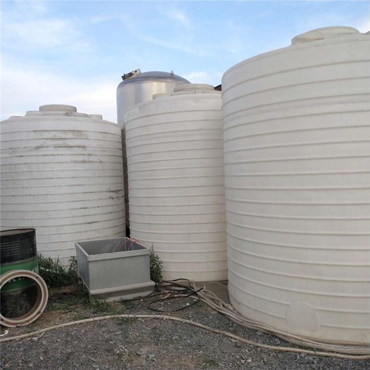 供应PE塑料罐PE无塔供水罐10立方PE水箱